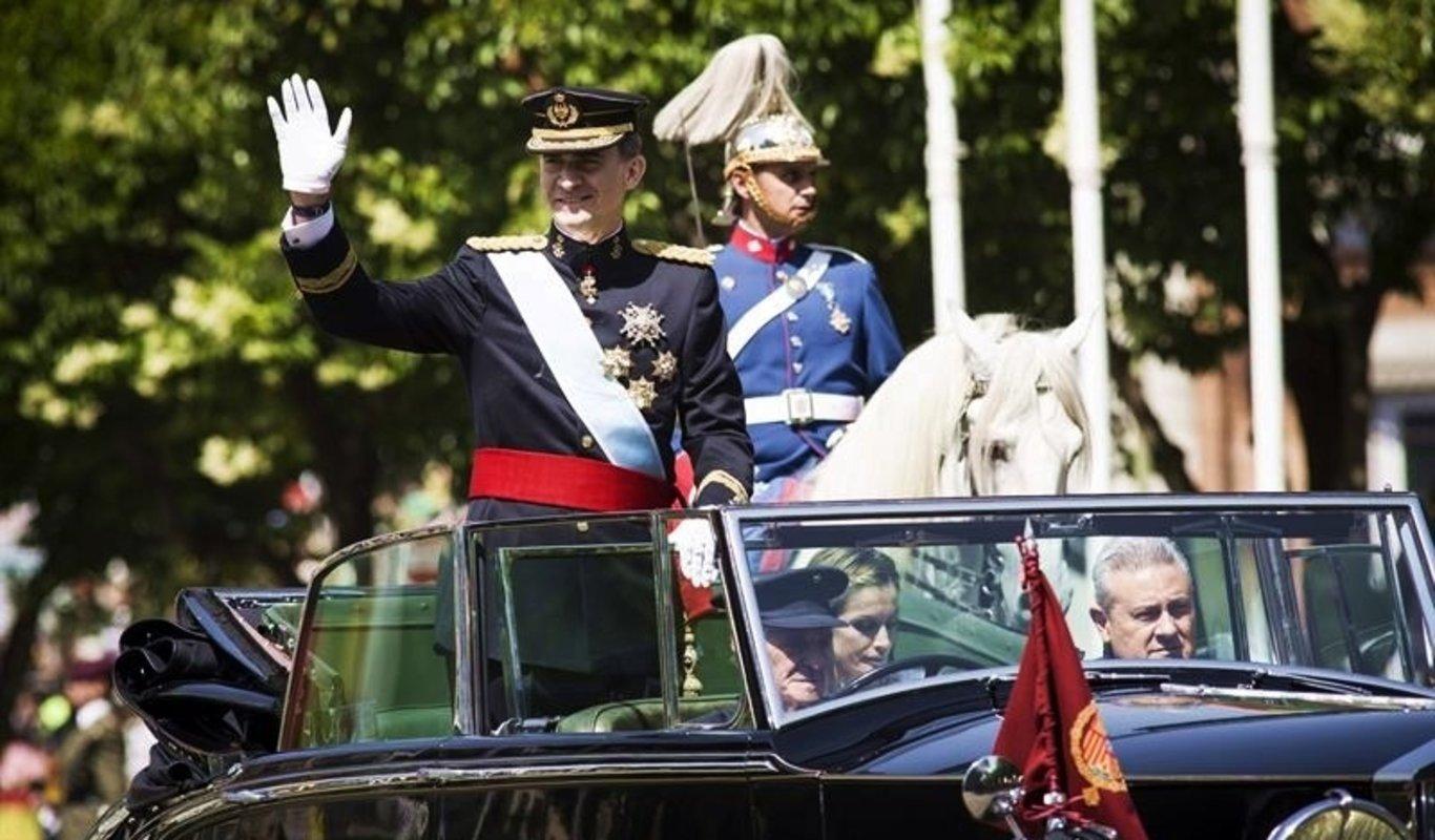 3cb37b7761978 El coronel de la Guardia Civil José María Corona Barriuso recibe la Gran  Cruz de la Orden del Mérito Civil