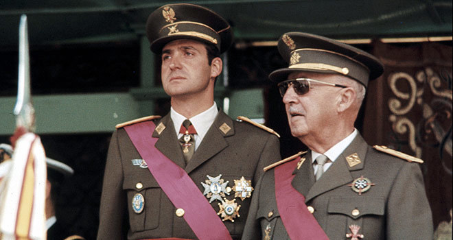 Don Juan Carlos y Francisco Franco.